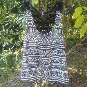Forever 21 Sheer black & white tank top size small